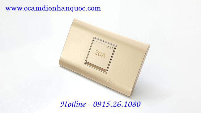 cong-tac-binh-nong-lanh-20A-dobo-a70-88726