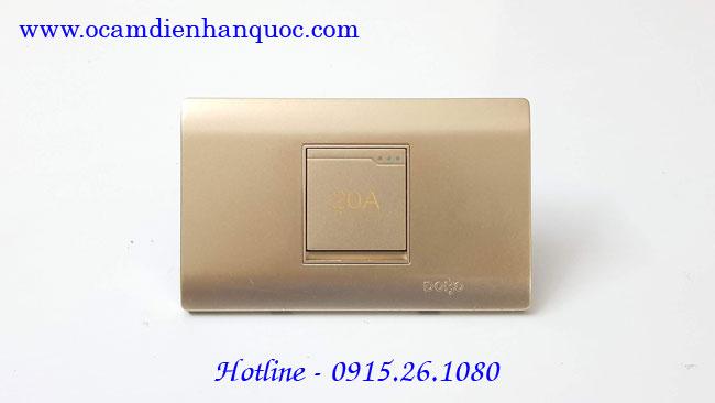 cong-tac-binh-nong-lanh-dobo-a70-88726
